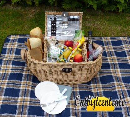 Picknickmand gevuld